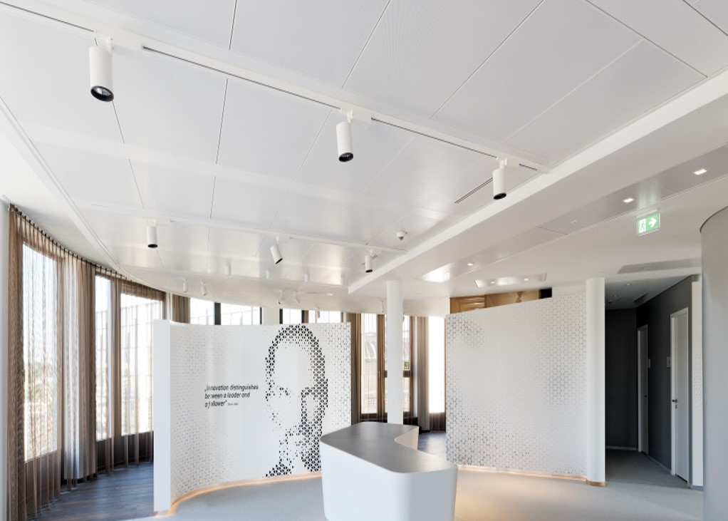 projekt coeur cologne mit lindner plafotherm heiz und. Black Bedroom Furniture Sets. Home Design Ideas
