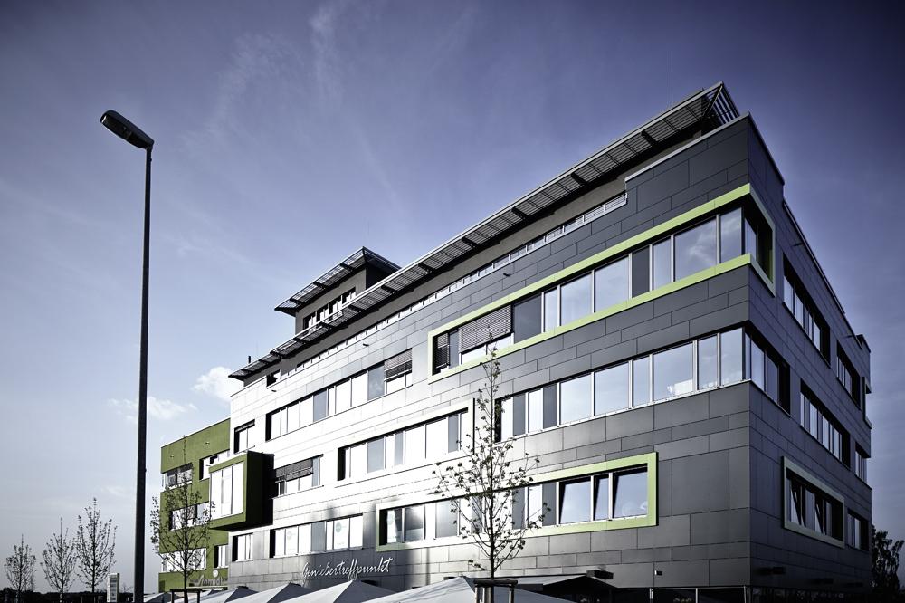 Business Center in Schwabachs Gewerbepark West schon von Weitem erkennbar. Bereits vor Fertigstellung des Neubaus waren alle Einheiten vermietet.