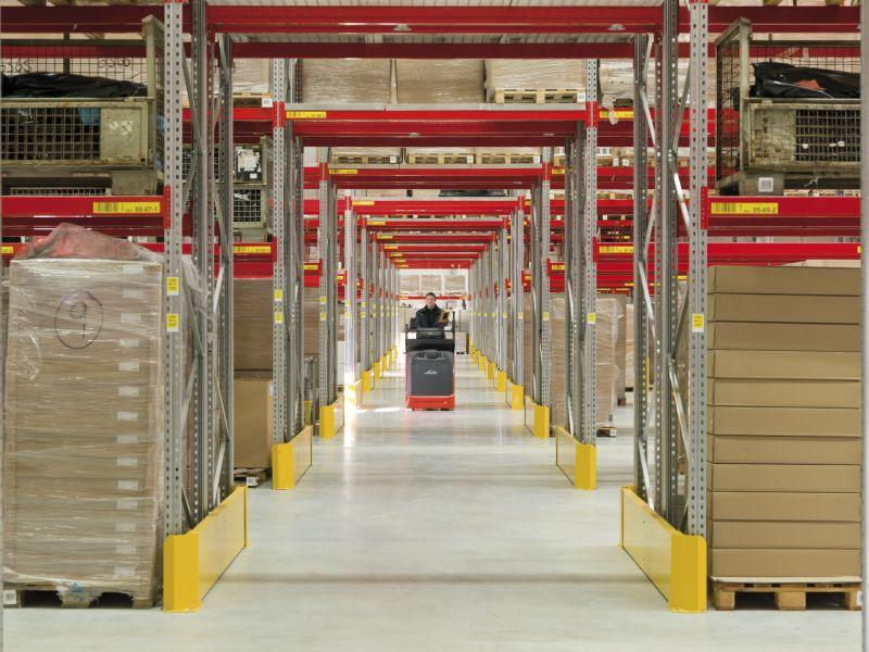 Roth Industrieflächenheizung im Logistikzentrum am Standort in Dautphetal-Buchenau.