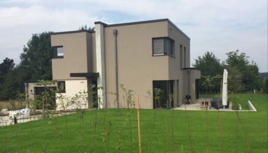 Einfamilienhaus Mit Flächenheiz- Und -kühlsystem In Waldreicher Idylle