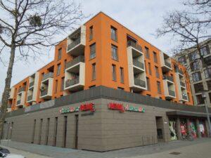Wohn- und Geschäftskomplex der Sparkasse mit Fußbodenheizung von Oventrop