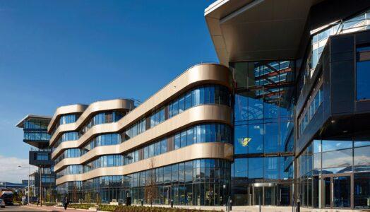 Perfekt Abgestimmtes Flächenheizsystem Von Oventrop Für Das Cardiff Und Vale College